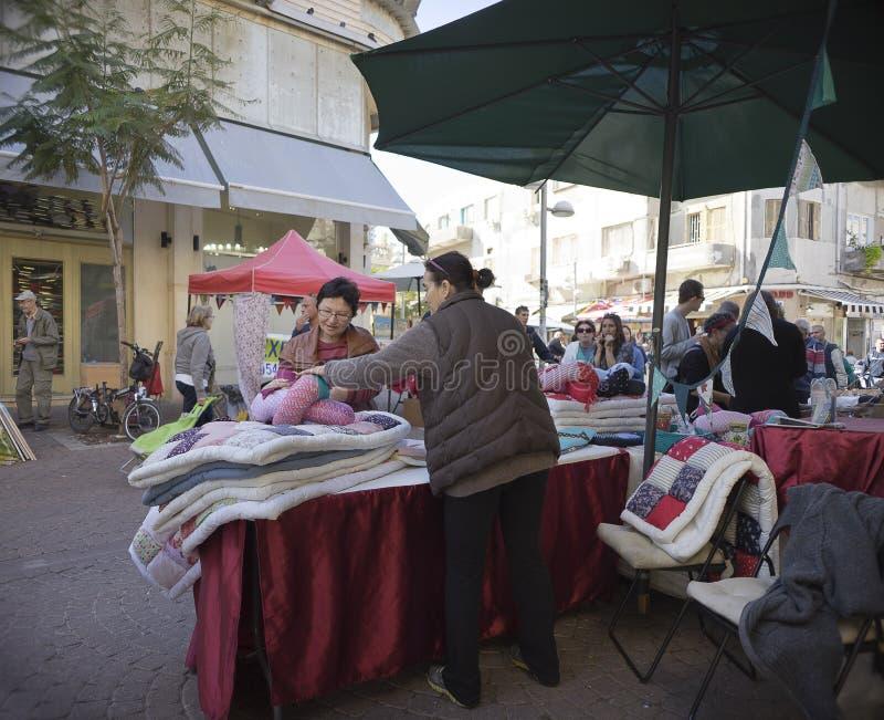 Nahalat Binyamin hand - gjord marknad Israel royaltyfri foto