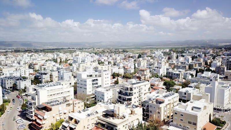 NAHARIYA, 9 ISRAËL-MAART, 2018: Luchtmening aan de stad van Nahariya, Israël stock afbeelding