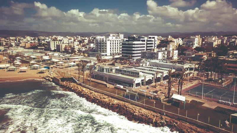 NAHARIYA, 9 ISRAËL-MAART, 2018: Luchtmening aan de stad van Nahariya, Israël royalty-vrije stock fotografie
