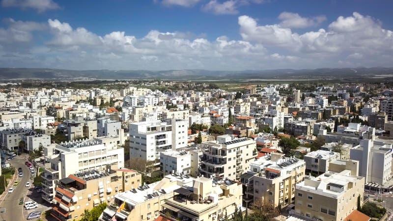 NAHARIYA ISRAEL-MARCH 9, 2018: Flyg- sikt till staden av Nahariya, Israel royaltyfria bilder