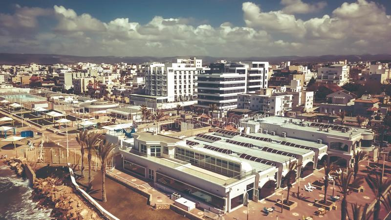 NAHARIYA, ISRAEL-MARCH 9, 2018: Widok z lotu ptaka miasto Nahariya, Izrael zdjęcia stock