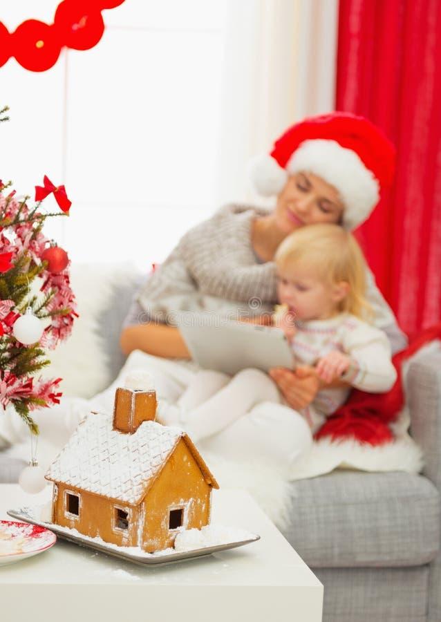 Nahaufnahme auf Weihnachtslebkuchenhaus lizenzfreies stockfoto