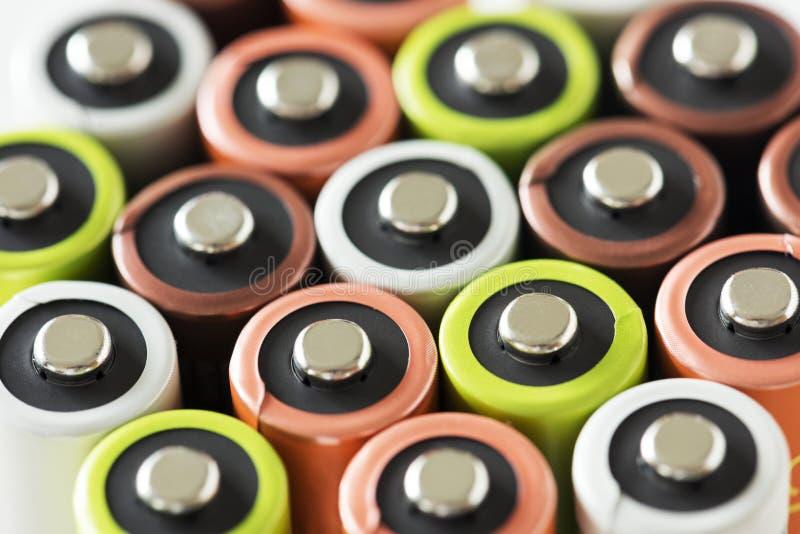 Nahaufnahme der Batteriesammlung lokalisiert lizenzfreie stockfotos