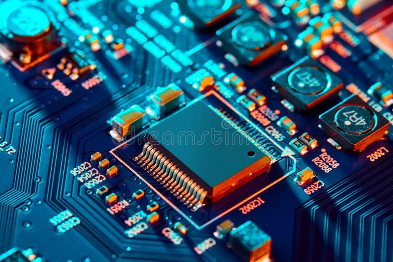 Nahaufnahme der elektronischen Leiterkarte High-Tech-Platine lizenzfreie stockfotografie