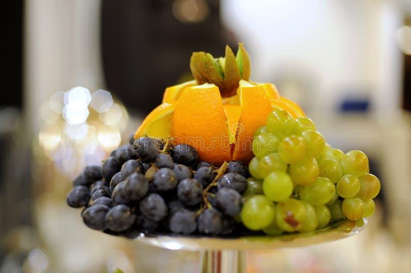 Frucht-Pyramide lizenzfreies stockbild