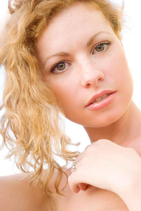 Nahaufnahme der jungen schönen gesunden Frau stockbilder