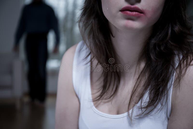 Nahaufnahme der schreienden Frau lizenzfreie stockfotos