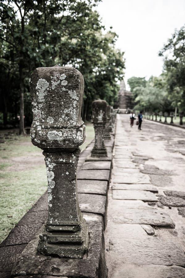 Nahaufnahme der Steinsäule in Wat Khao Phanom Rung Historical lizenzfreie stockbilder