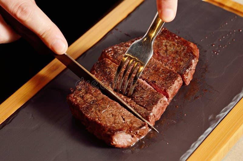 Nahaufnahme des Beefsteaks lizenzfreies stockfoto
