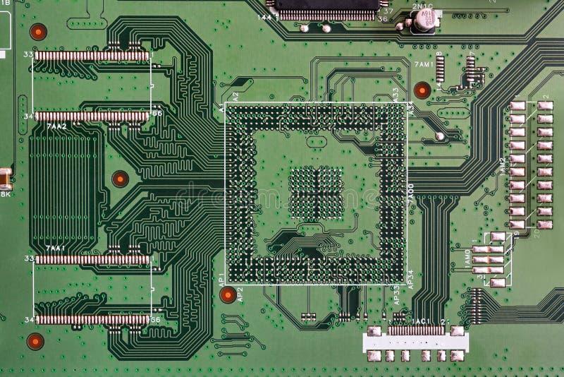 Nahaufnahme des Brettes der elektronischen Schaltung grüne Farb stockbilder