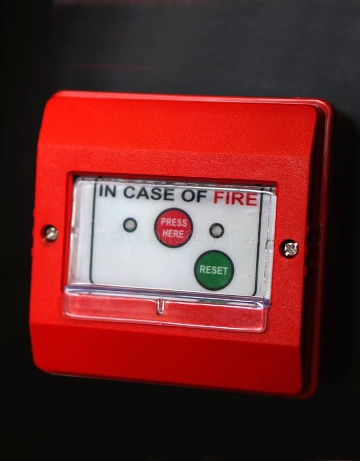Nahaufnahme des Feuermelders oder der Schutzausrüstung in einer Industrie lizenzfreie stockfotografie