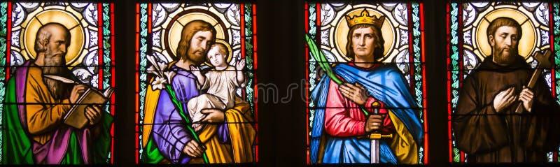 Nahaufnahme des Jugendstilbuntglasfensters durch Alfons Mucha, St. Vitus Cathedral, Prag-Schloss, Tschechische Republik lizenzfreies stockfoto