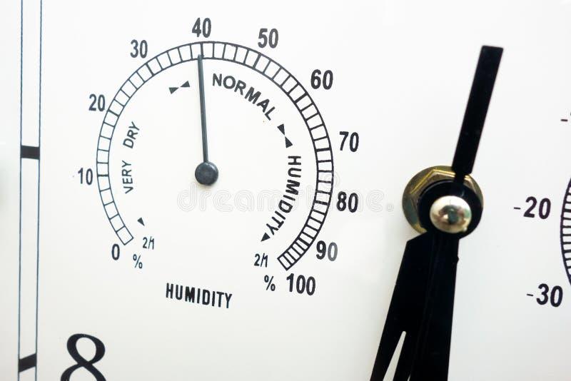 Nahaufnahme des kombinierten Indikatorinstrumentes, zum von Feuchtigkeit zu messen und zu steuern Skalagesicht des Gerätes mit sc stockfotos