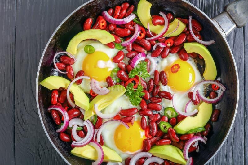 Nahaufnahme des mexikanischen Frühstücks in der Bratpfanne lizenzfreies stockbild