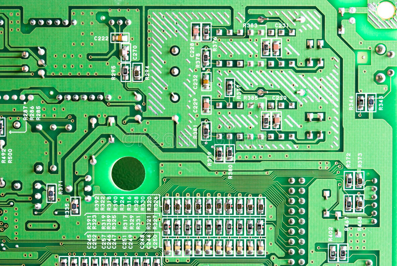 Nahaufnahme des Mikrokreisläufs, der Widerstände und des Chips von a lizenzfreie stockbilder