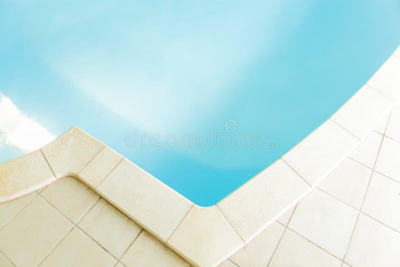 Nahaufnahme des Swimmingpools stockbilder