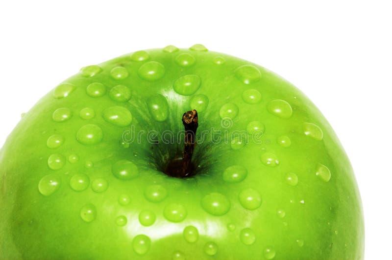 Nahaufnahme eines Apfels und des Wassers