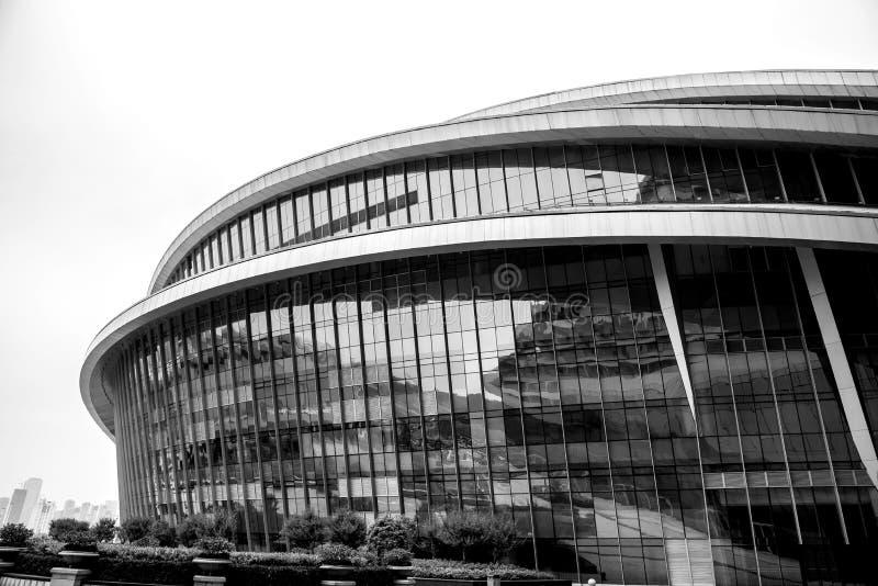 Nahaufnahme eines modernen Glasgebäudes lizenzfreie stockfotos