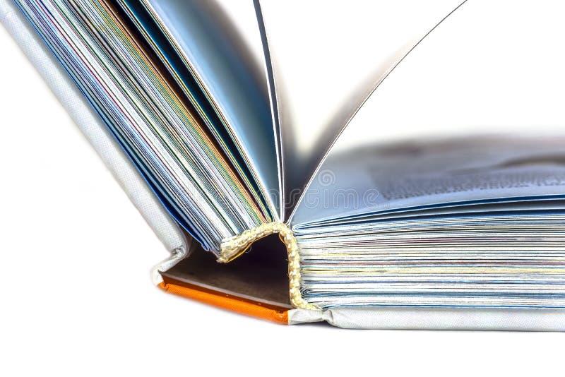 Nahaufnahme eines offenen Buches lizenzfreie stockbilder
