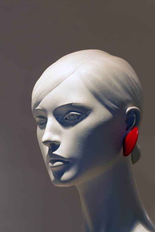 Nahaufnahme eines schönen weiblichen Plastikmannequinkopfes lizenzfreies stockfoto