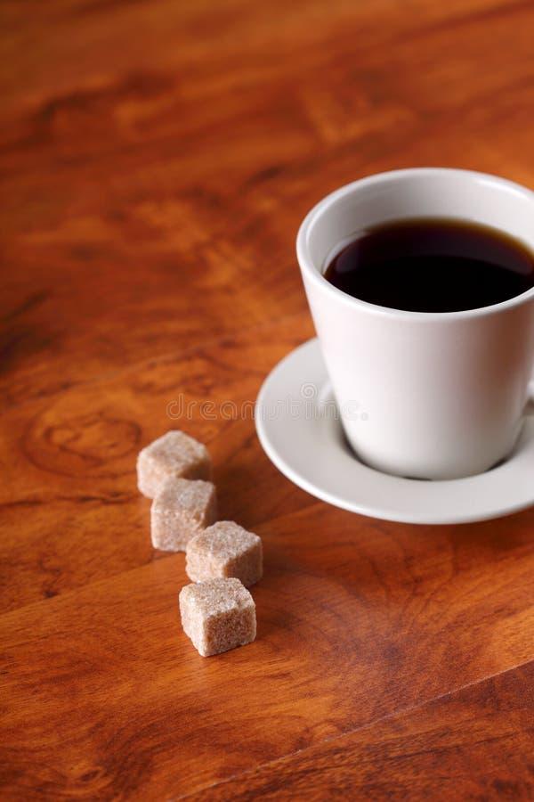 Nahaufnahme eines wundervollen Cup heißen Kaffees lizenzfreies stockbild