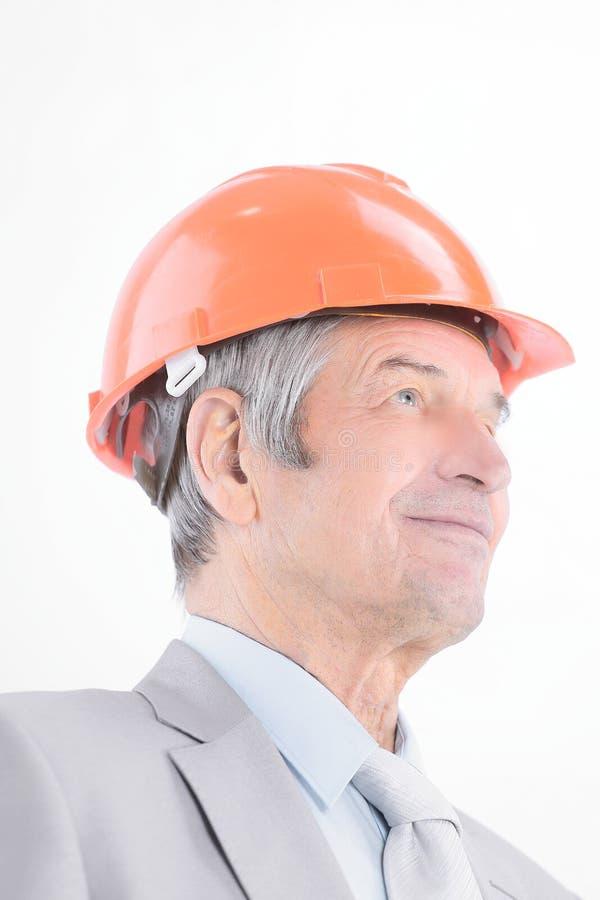 nahaufnahme Porträt des überzeugten leitenden Ingenieurs Getrennt auf einem Weiß stockfoto