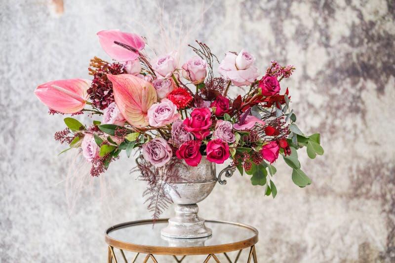 Nahaufnahme Schöner Blumenstrauß von frischen Blumen lizenzfreies stockfoto