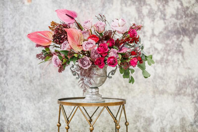 Nahaufnahme Schöner Blumenstrauß von frischen Blumen lizenzfreie stockfotografie