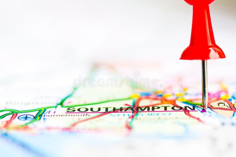 Nahaufnahme schoss über Southampton auf Karte, Vereinigtes Königreich stockbilder