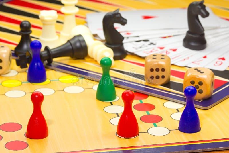 Nahaufnahme von Brettspielen lizenzfreie stockfotos