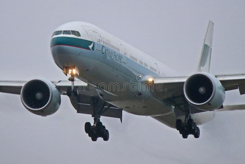 Nahaufnahme von Cathay Pacific Boeing 777-300ER stockbilder
