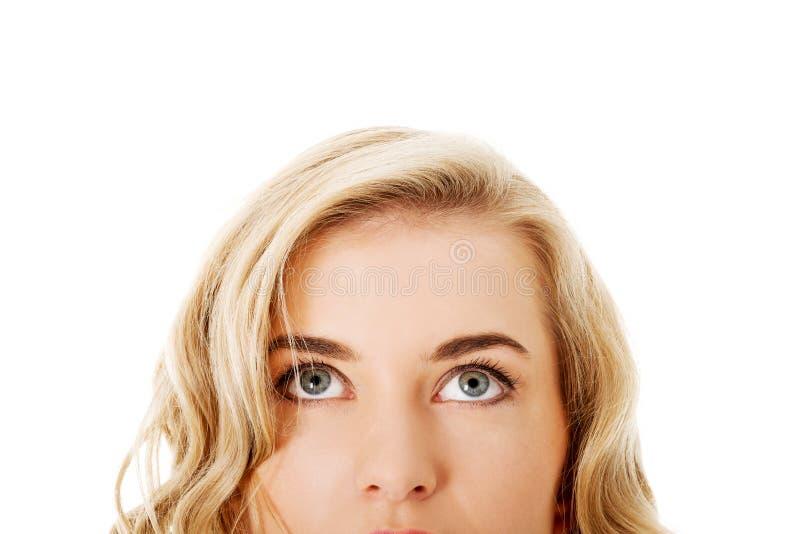Download Nahaufnahme Von Den Schönheitsaugen, Die Oben Schauen Stockbild - Bild von eyelashes, gesicht: 47101309