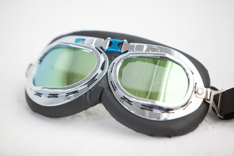 Nahaufnahme von Fliegerschutzbrillen lizenzfreie stockfotos