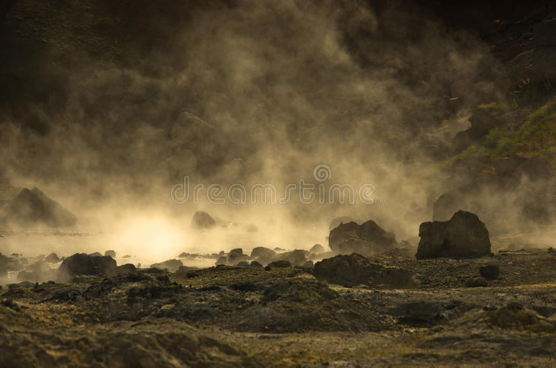 Nahaufnahme von heißen Quellen an geothermischem Bereich Krysuvik stockfoto