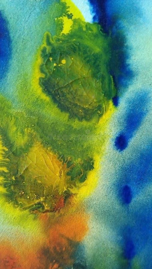 Nahaufnahme von mehrfarbigen Aquarellflecken auf Weißbuch lizenzfreie stockfotografie