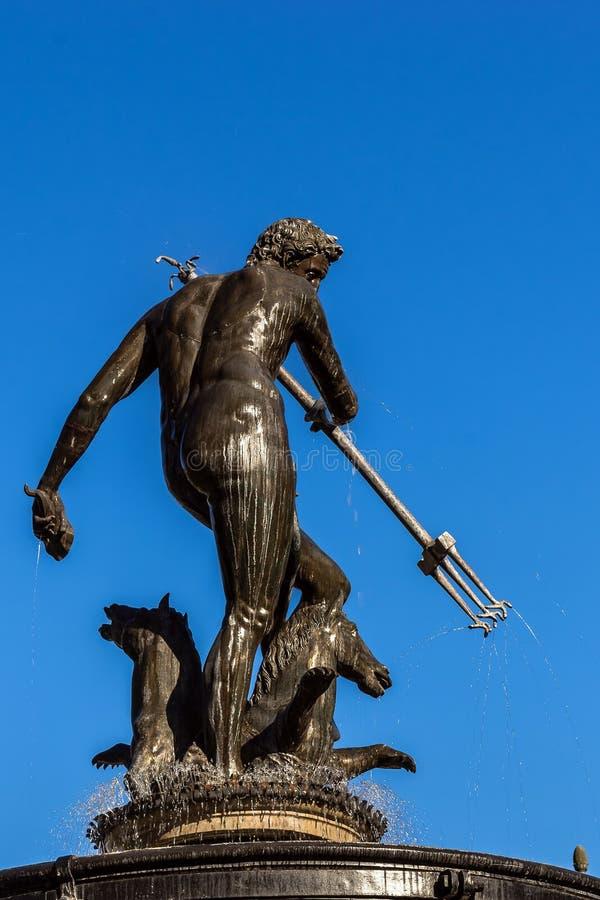 Nahaufnahme von Neptun Brunnen lizenzfreies stockfoto