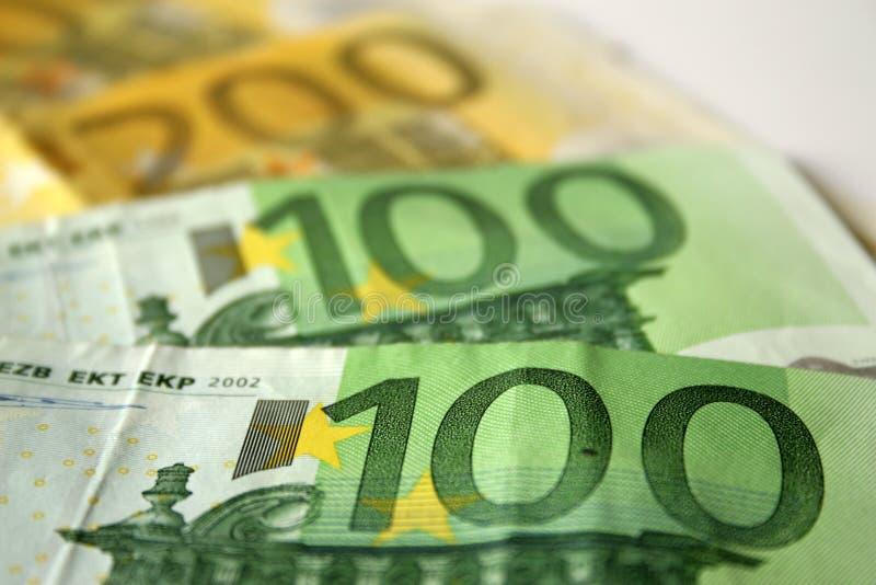 Nahaufnahme zu den Eurobanknoten lizenzfreie stockfotografie