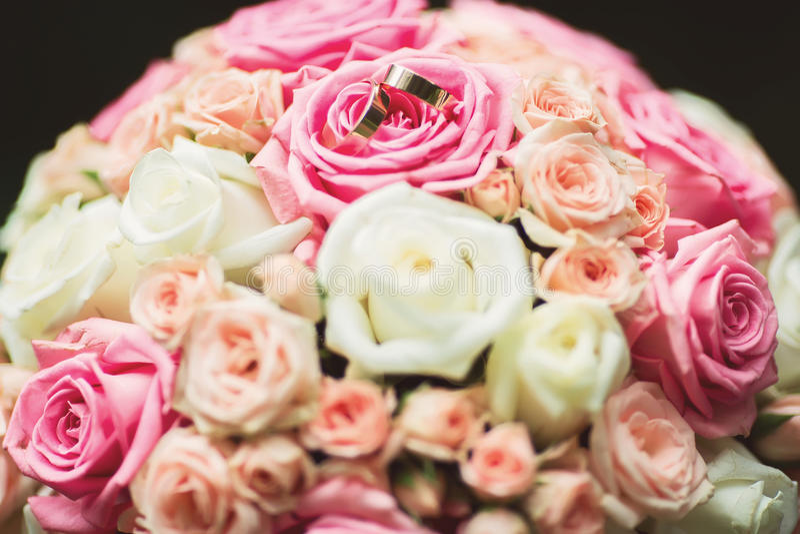 Nahaufnahmeansicht des dekorativen Blumenstraußes der schönen neuen weichen Hochzeit lizenzfreies stockfoto