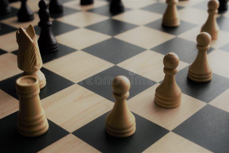 Nahaufnahmebild von Schachfiguren stockbild