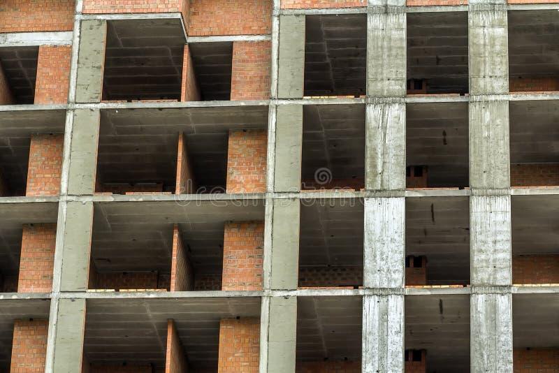 Nahaufnahmedetailansicht einer neuen modernen Wohnwohnungsbauhochbau-Standortarbeit im Bau Real Estate-Entwicklung lizenzfreies stockbild