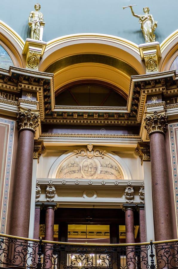 Nahaufnahmedetails der Architektur, Staat Iowas-Kapitol lizenzfreies stockfoto