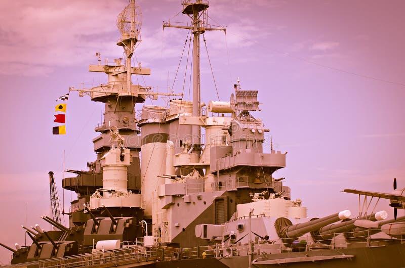 Nahaufnahmedetails des Krieges bereiten Artillerieschlachtschiff vor lizenzfreies stockfoto
