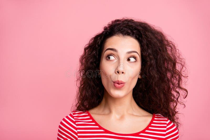 Nahaufnahmefotoporträt von attraktivem recht reizend nettem aufrichtigem frohem komischem des optimistischen Positivs sie ihre Da lizenzfreie stockbilder