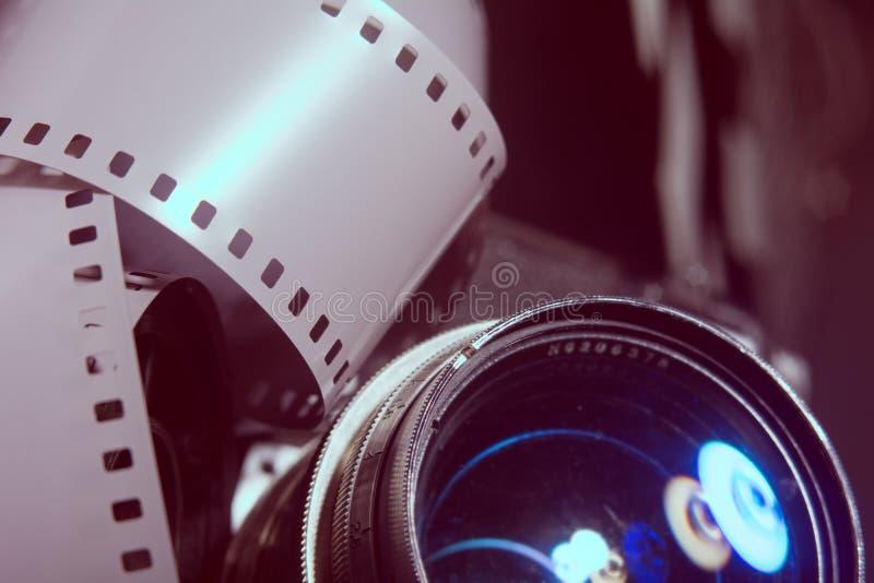 Nahaufnahmelinse mit alter Kamera lizenzfreie stockfotografie