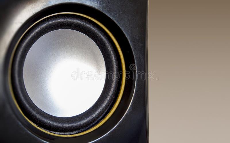 Nahaufnahmemusik-Satzsprecher Schwarze, gelbe und weiße Farbe stockfoto