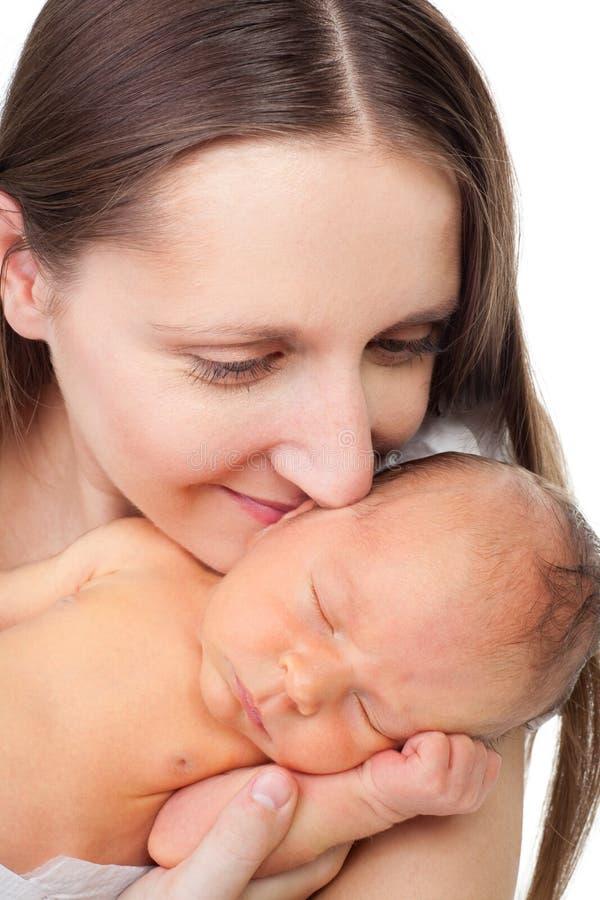 Nahaufnahmemutter mit neugeborenem stockbilder