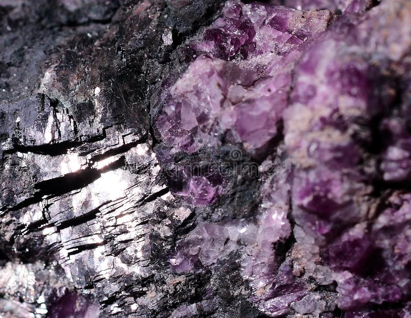 Nahaufnahmephotographie-Fluoritmineral mit galenite lizenzfreie stockfotografie