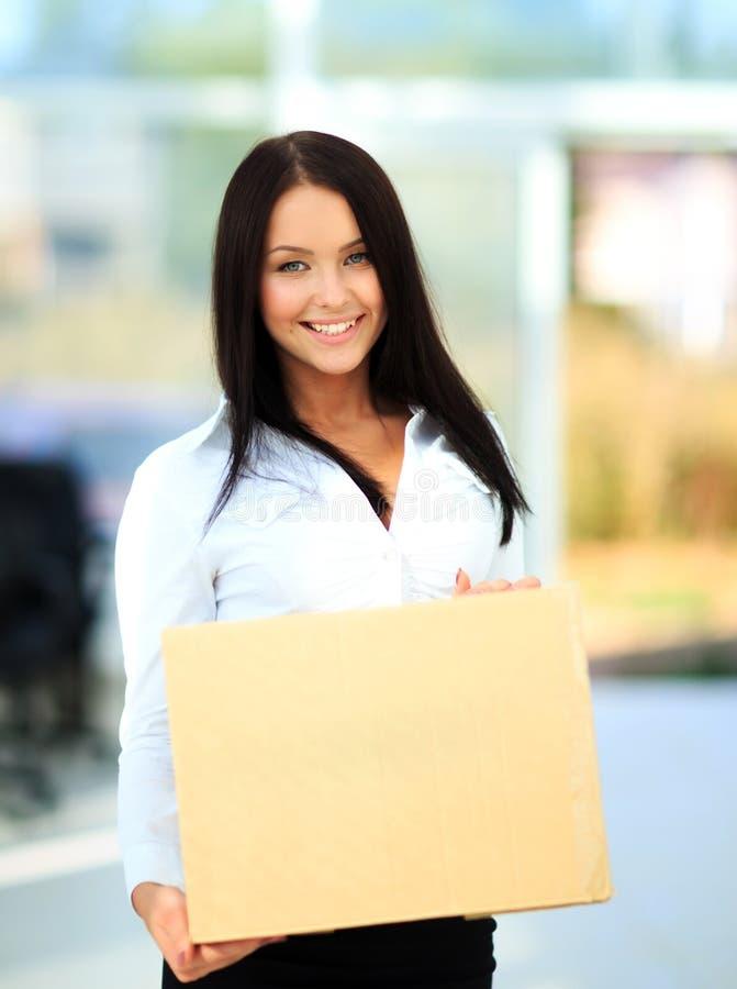 Nahaufnahmeporträt der hübschen erwachsenen Frau lizenzfreie stockfotos