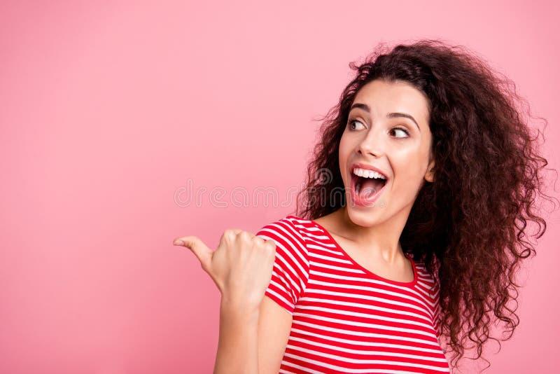 Nahaufnahmeporträt von ihr sie schön aussehendes reizendes anziehendes süßes faszinierendes attraktives reizend nettes mädchenhaf lizenzfreies stockbild