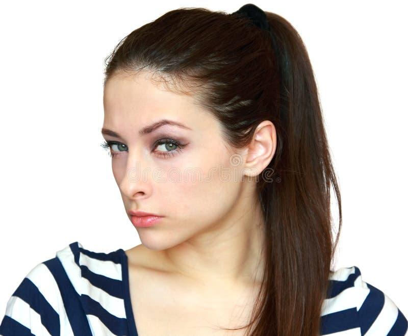 Nahaufnahmeportrait der misstrauischen Frau stockfotos